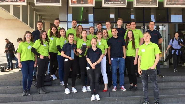 Auszubildende bei CSL Behring gewinnen HessenChemie-Wettbewerb